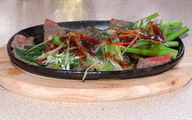 How to make sizzling beef with Choi Sum