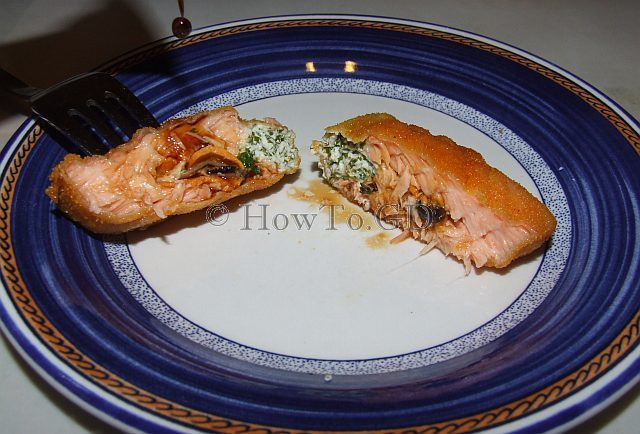 How to make salmon stuffed with mussels and green creamy cheese