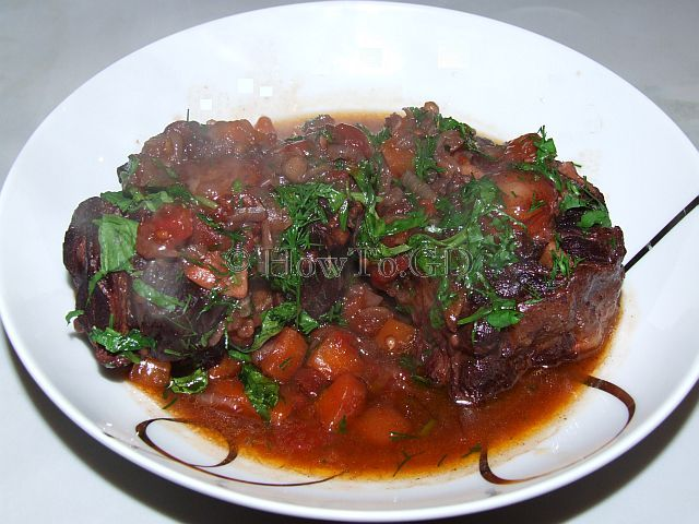 How to make spicy oxtail stew