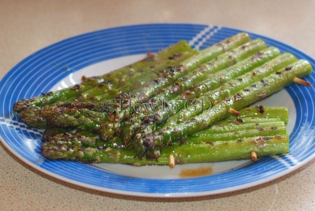How to grill asparagus at home